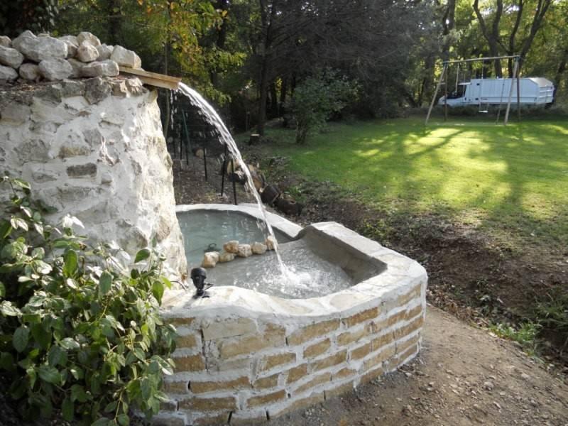 R alisation d 39 une fontaine de jardin par le paysagiste de fuveau artisan paysagiste aix en for Fontaine de jardin niagara