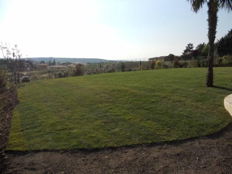 Gazon de placage r alis par les jardins de romain for Le jardin des 5 sens aix en provence